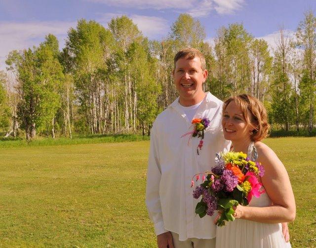 Lisa and Ray on their wedding day